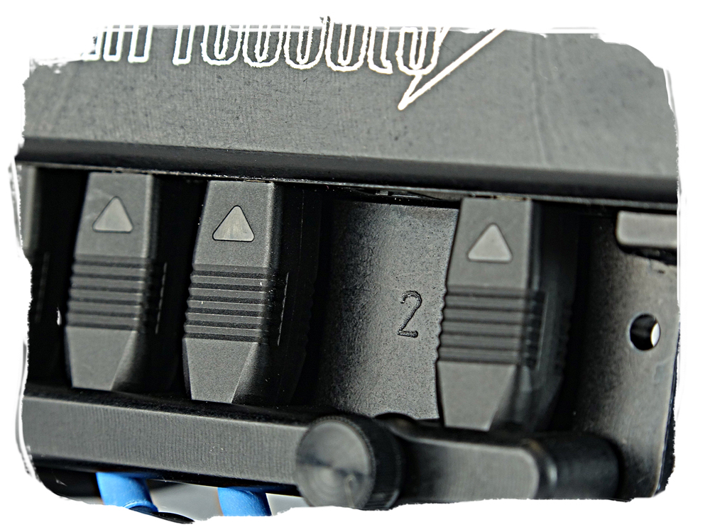 Hybrid Ports that allow you to connect either mechanical switches or proximity sensors.